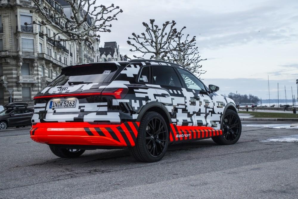Prototyp Audi E-Tron w Genewie