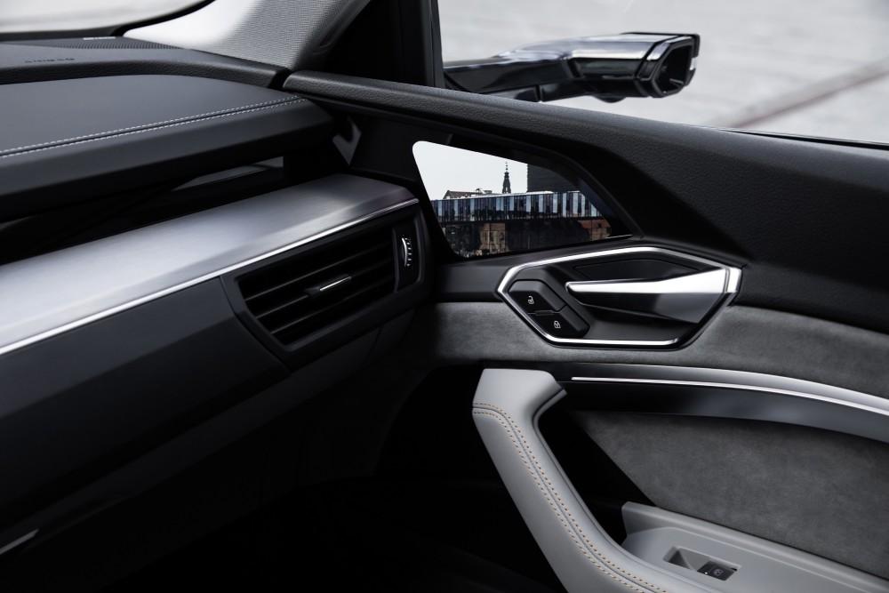Wirtualne lusterko Audi E-Tron
