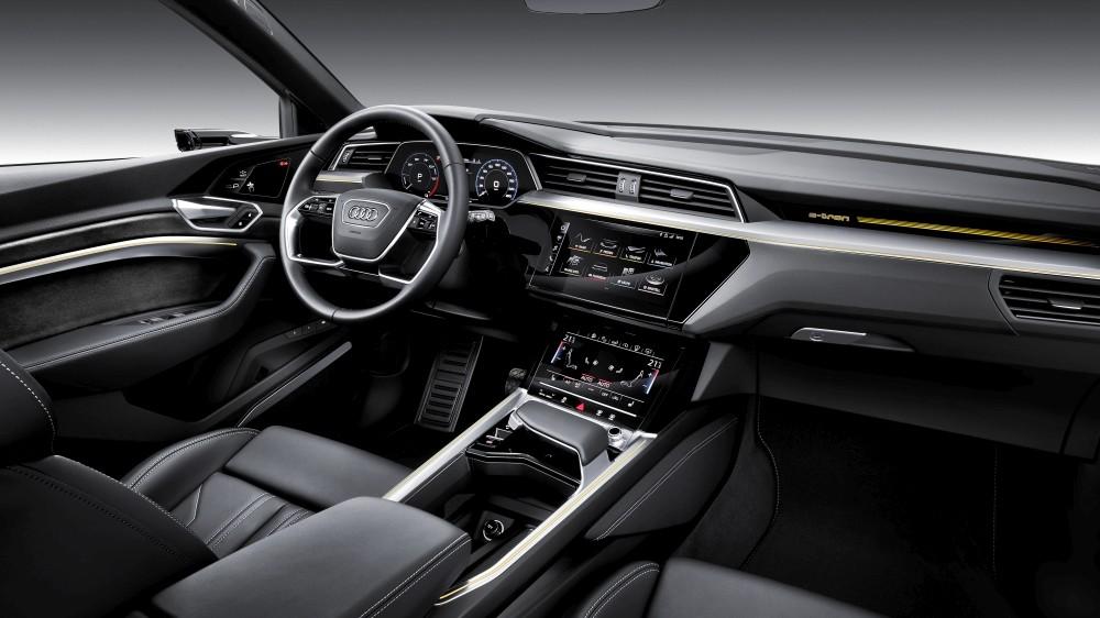 Samochód elektryczny Audi e-tron - wnętrze