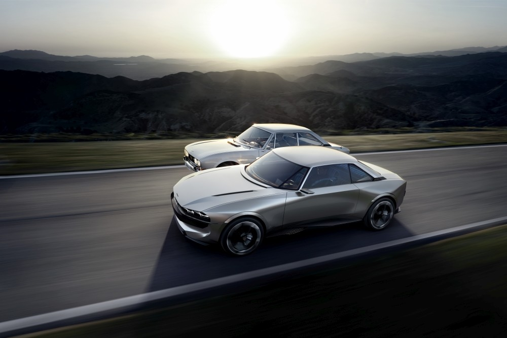 Elektryczny Peugeot e-Legend Concept - bok