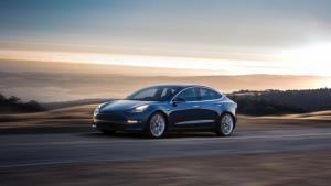 Tesla Model 3 Long Range - galeria