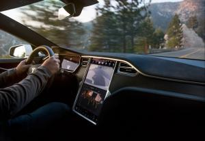 Tesla Model S Long Range - galeria